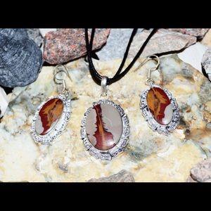 Noreena Pendant & Earrings Set